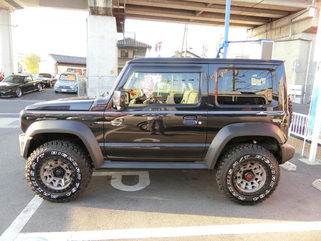 JL 5MT 4WD ジーアイギガ FUEL特注16AW ホワイトレタータイヤ リフトアップキット 背面タイヤ カスタムグリル ヒッチメンバー 革調シート DVD ウーハー シートヒーター セーフティSP(5枚目)