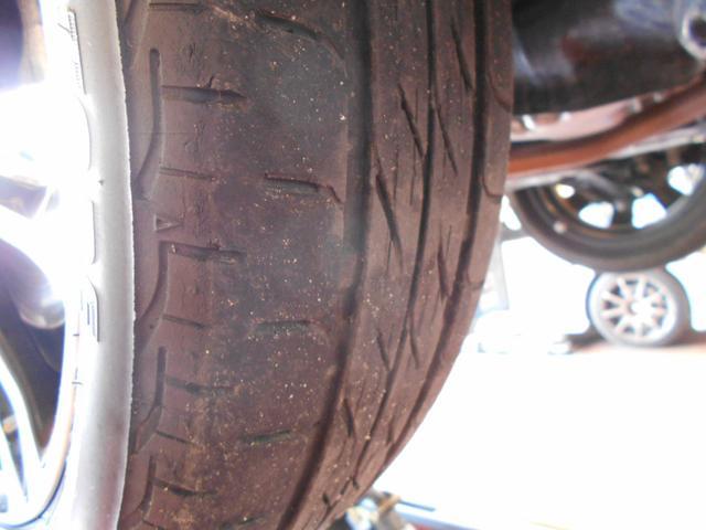 タイヤ残溝OK!