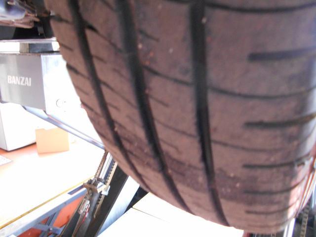 タイヤ残溝たっぷり!