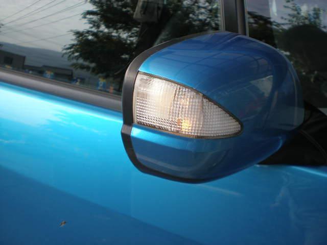 気に入ったお車が見つかったら傷等の確認をしましょう。中古車には必ずチャームポイントがあるはず!?です。