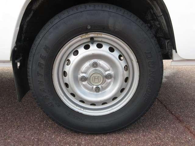 タイヤサイズは、145R12 6PR LTです。