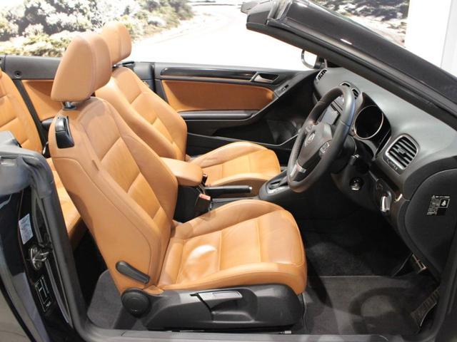 運転席、助手席は3段階調整のシートヒーター装備しています。