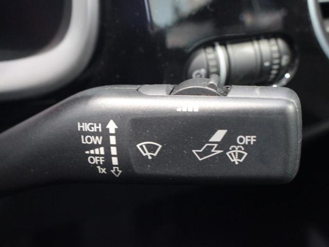 デザインマイスター 最終特別仕様車 ナビ ETC ETC エンブレム式バックカメラ キセノンへドライト クルーズコントロール フォグランプ CD DVD USB ブルートゥース ミュージックキャッチャー オートライト レインセンサー(18枚目)