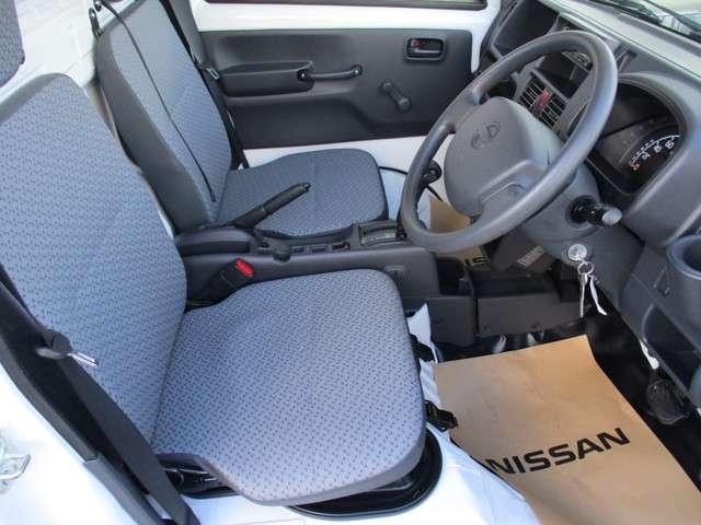 運転席&助手席。