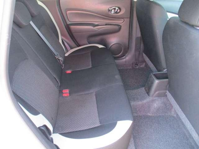 後席シート。座り心地の良いシート。