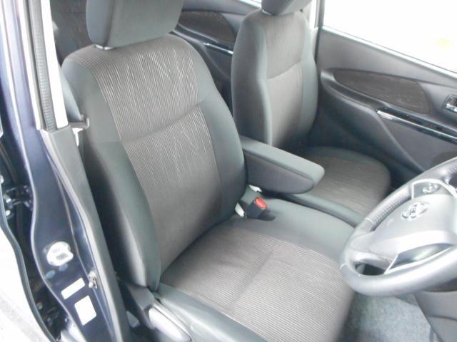小柄な方でもシートリフター付きなので、無理のない運転姿勢がとれます