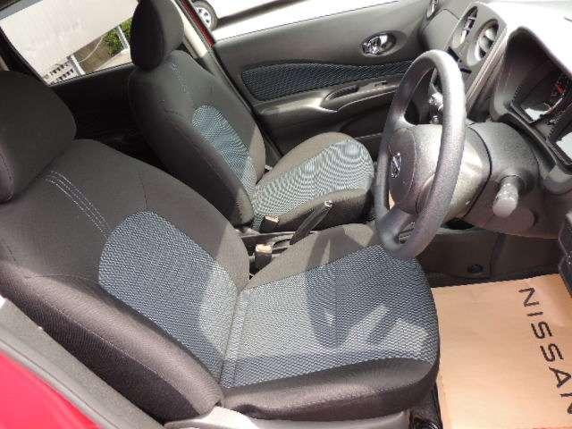 ☆黒を貴重としたおしゃれなシートです。是非、ご試乗してみてください。
