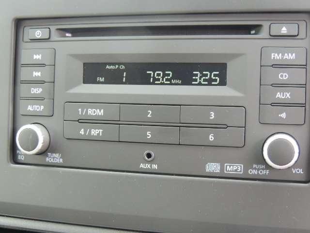 純正CDラジオ付いております。