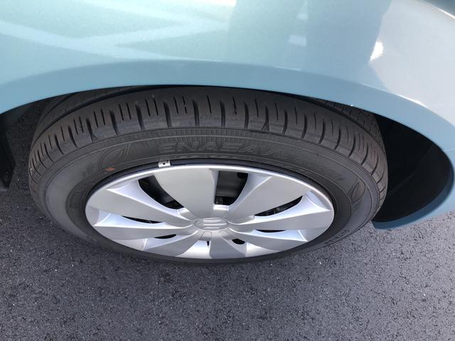 純正ホイールキャップを装着しています。タイヤ溝まだまだあります。