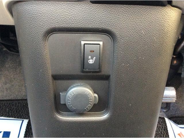 運転席には、冬場にあるとうれしいシートヒーター付き☆