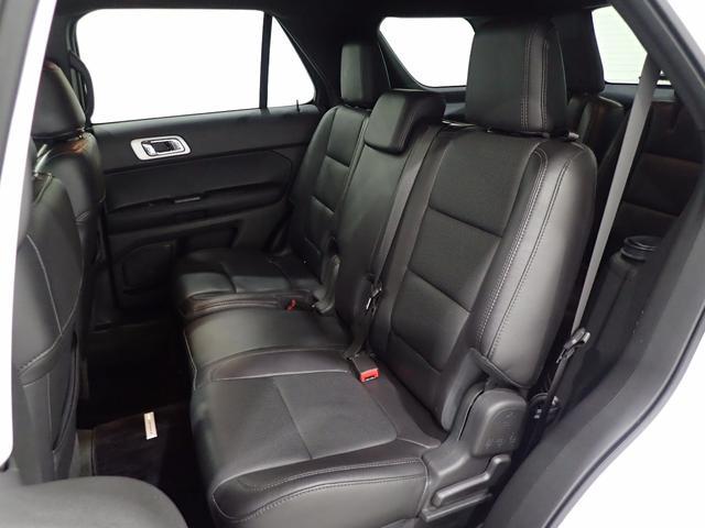 フォード フォード エクスプローラー リミテッド 4WD 7人乗り 純正ナビ サンルーフ 革シート