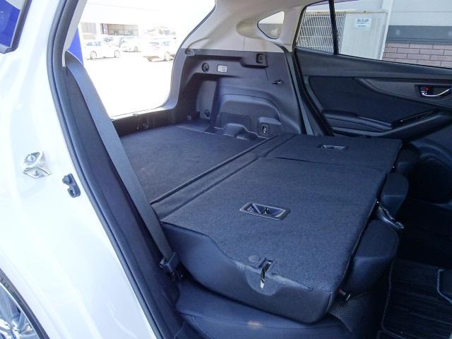 荷室フロア幅は1,090mm。荷室長は最大で1,450mmになります。ゴルフバッグも積みやすくなりましたよ☆