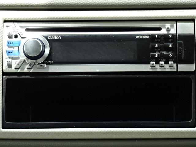 クラリオン製CD/USBオーディオ(DB565USB)です。ナビ等へ付替えをご希望の方は、スタッフまでお気軽にご相談ください☆