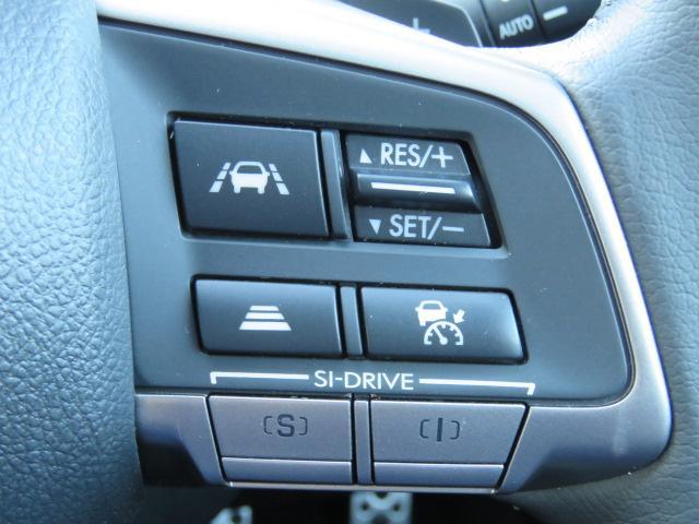 全車速追従機能付きクルーズコントロール&車線維持機能はステアリング右スイッチで起動します。走りの愉しさをより味わえるSI-DRIVEスイッチもこちらに☆