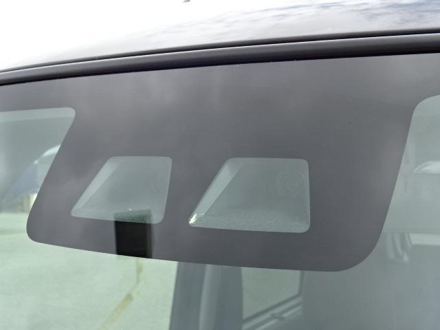 スマートアシスト3は警報機能を4〜100km/hに(相対速度差60km/h以内)、プリクラッシュブレーキ機能を約4〜80km/h(対歩行者の場合、約4〜50km/h)に作動速度域を拡大☆