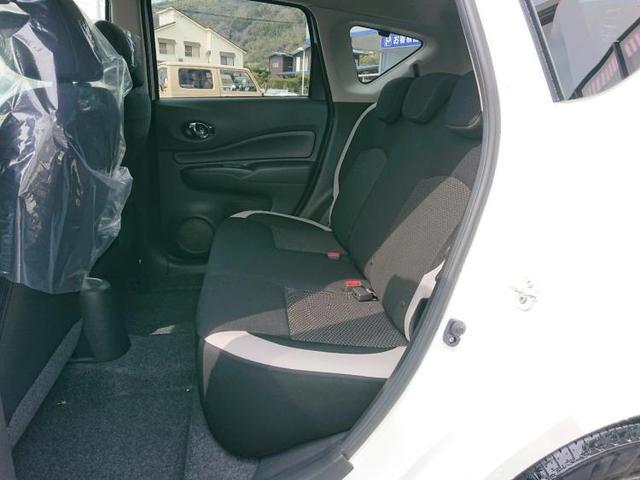運転席シートリフタープライバシーガラス
