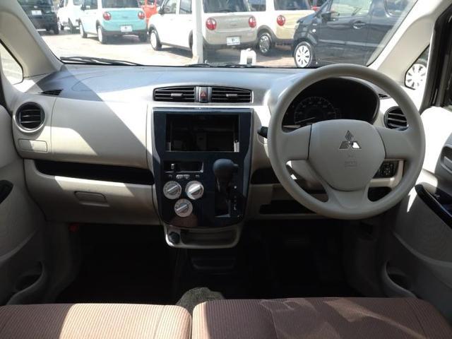 E EBD付ABS/エアバッグ 運転席/エアバッグ 助手席/パワーウインドウ/キーレスエントリー/パワーステアリング/FF/マニュアルエアコン 禁煙車 盗難防止装置(4枚目)