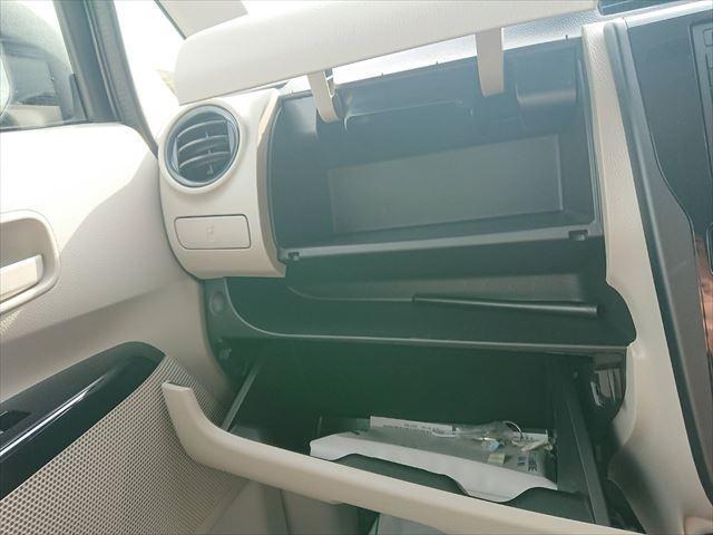E 運転席シートヒーター 横滑り防止機能 キーレス(9枚目)