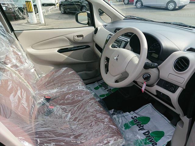 E 運転席シートヒーター 横滑り防止機能 キーレス(12枚目)