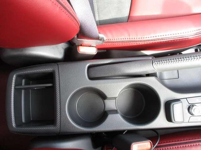 15S 100TH ナビ・TV・DVD・360°カメラ・コーナーセンサー・安全装置・シートヒーター・ステアリングヒーター・ADディスプレイ・レーダークルーズコントロール・禁煙車・100周年記念(12枚目)