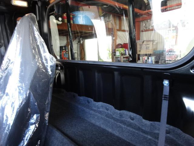ジャンボはこのキャビンが特徴!荷物スペースやリクライニングスペースとしても活用頂けます!