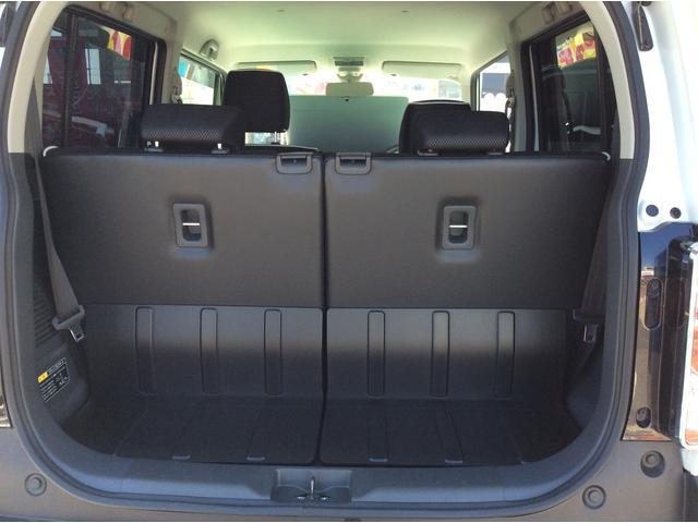 トランク内も充実の大容量!!リヤシートのアレンジであれこれ乗せる事が可能です!!