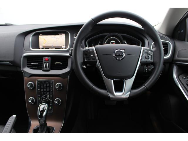 ボルボ ボルボ V40 D4 インスクリプション レザーシート シートヒーター ナビ