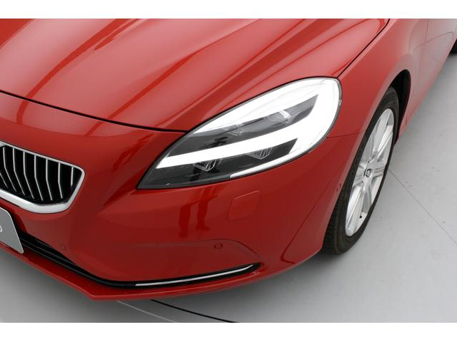 D4 インスクリプション パノラマガラスルーフ 歩行者検知ブレーキ 追従機能付クルーズコントロール レザーシート シートヒーター 純正ナビ バックカメラ フロントコーナーセンサー ETC(5枚目)