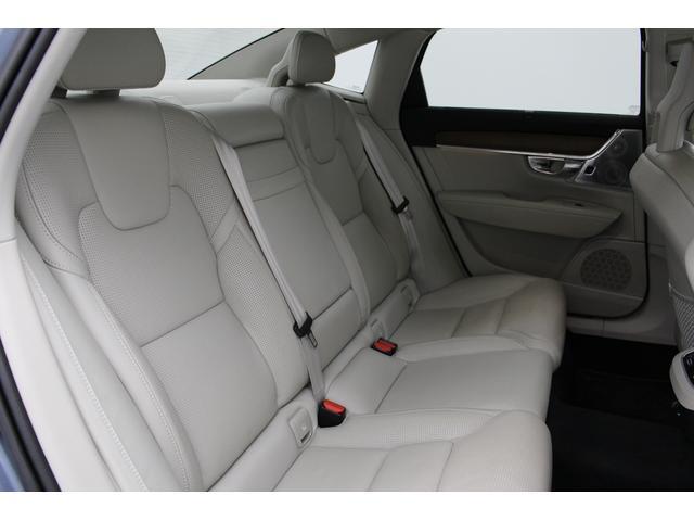 T6 AWD インスクリプション 電動ガラスサンルーフ B&Wプレミアム・サウンド マッサージ・ベンチレーション機能付きレザーシート ボルボ・センサス・ナビゲーションシステム(21枚目)