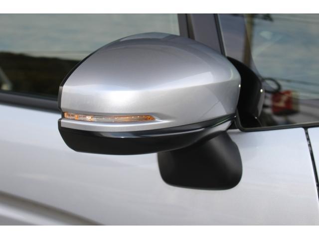 LEDドアミラーウインカー装着車です。