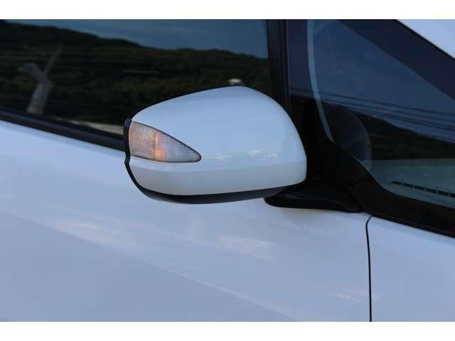 ドアミラーウインカーは周囲からの視認性もよく安全性がアップします。