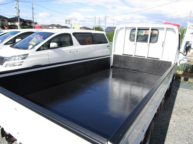ベースグレード 標準キャブ アイドリングストップ 4ナンバー 新免許対応総重量5トン未満車 ディーゼルターボ キーレス リアWタイヤ 木製 上面鉄板張り 1.5t積(11枚目)