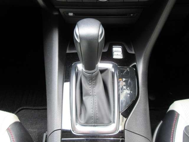 1.5 15S Lパッケージ バックカメラ ナビETC フルセグTV 安全装備 オートライト オートワイパー ヘッドアップディスプレイ パドルシフト LEDヘッドランプ ハンドルW 電動シート シートヒーター レーダークルーズ(11枚目)