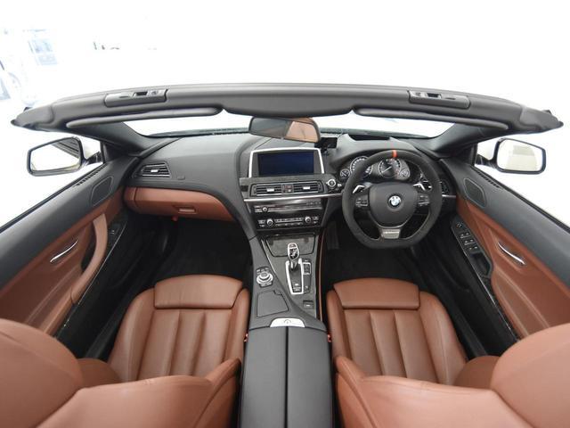 650iカブリオレ Mスポーツ ブラウンレザーシート フロントシートヒーター ヘッドアップディスプレイ Mパフォーマンスステアリング 純正HDDナビ 地デジ LEDヘッドライト 純正19AW(5枚目)