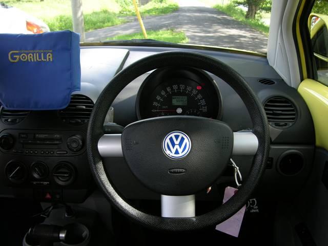 フォルクスワーゲン VW ニュービートル ナビ付き (ゴリラ)