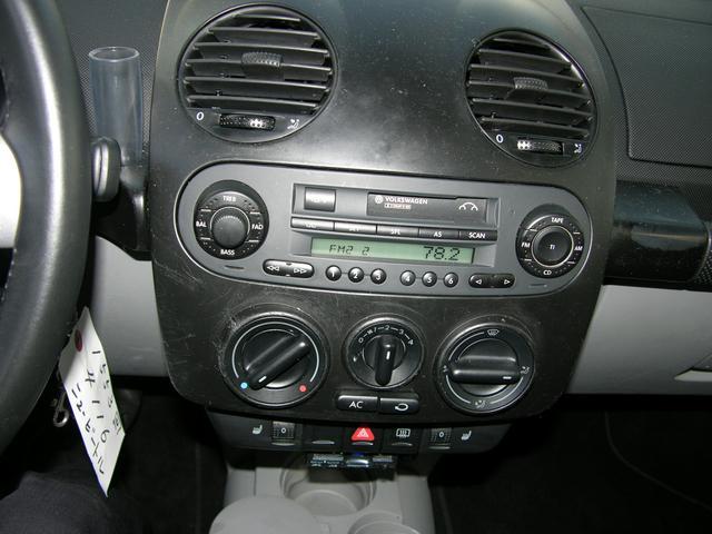 プラス 左ハンドル サンルーフ ブラックレザーシート D車(10枚目)