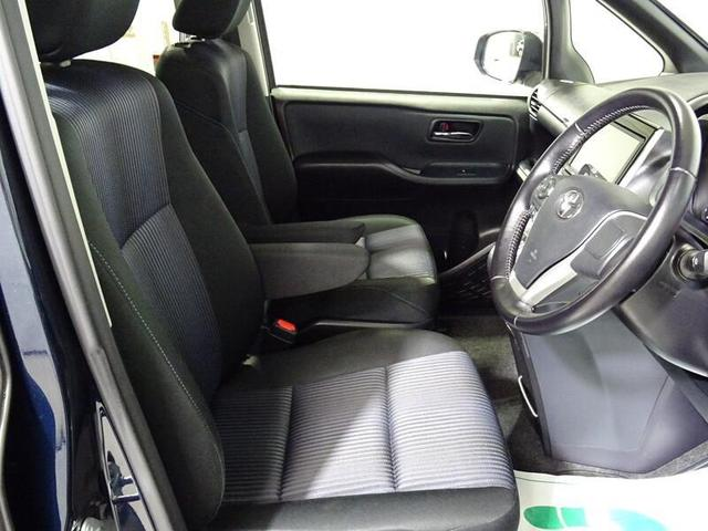 フロントシートは、長距離や長時間運転しても疲れにくく乗り心地良く快適に過ごせますよ。