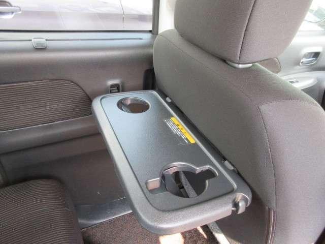 三菱ディーラーでの整備渡しとなります。保証も充実しており、お客様に安心のカーライフをお届けします。