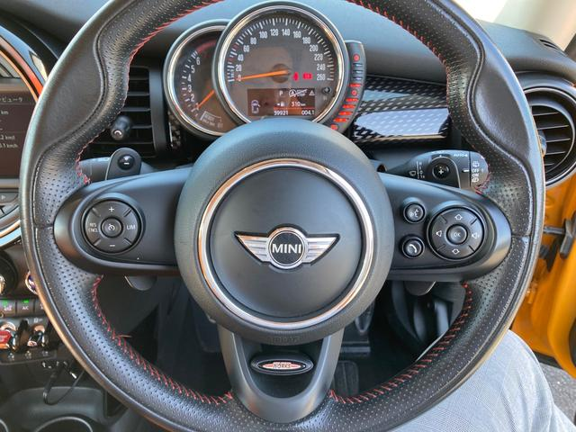 クーパーS 純正ナビ&バックカメラ ジョンクーパーワークスステアリング MINIドライビングモード マルチファンクションステアリング ブラックボンネットストライプ タイヤ4本新品 ミラーETC パドルシフト(26枚目)