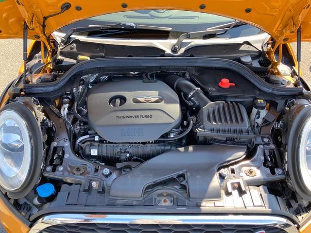 クーパーS 純正ナビ&バックカメラ ジョンクーパーワークスステアリング MINIドライビングモード マルチファンクションステアリング ブラックボンネットストライプ タイヤ4本新品 ミラーETC パドルシフト(33枚目)