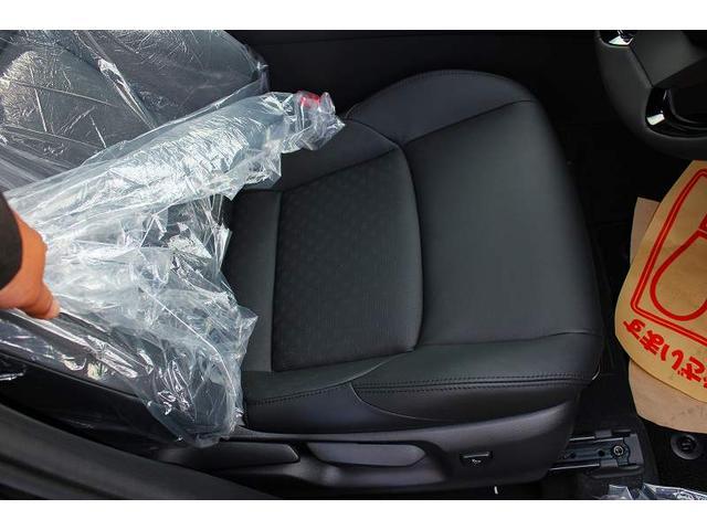 トヨタ C-HR G 黒本革シート LEDヘッドライト