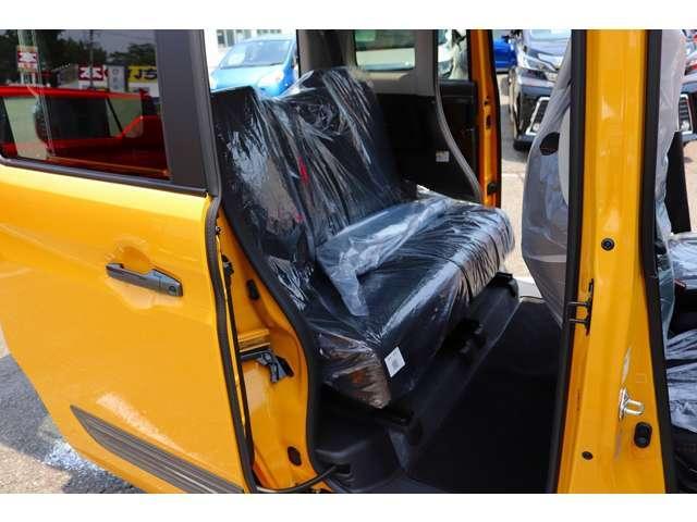ハイブリッドXZ 届け出済未使用車 フルセグナビ ドラレコ ETC 2トーンカラー フロアマット純正 サイドワイドバイザー(24枚目)