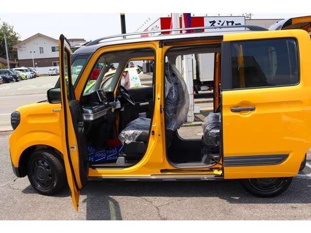 ハイブリッドXZ 届け出済未使用車 フルセグナビ ドラレコ ETC 2トーンカラー フロアマット純正 サイドワイドバイザー(28枚目)
