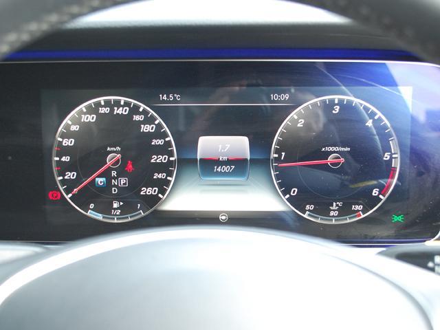 E220dアバンギャルド入荷しました・人気のオブシディアンブラックです・詳細はHPをご覧下さい!