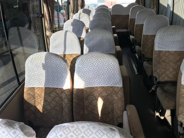 29人乗り オートマ車 ナビ バックカメラ エアサス(35枚目)