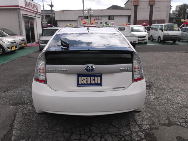 車両販売・軽自動車から高級車まで、厳選された良質の中古車を販売しています!全車6ヶ月保証付です。
