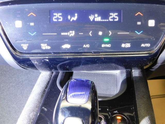 ハイブリッドRS・ホンダセンシング ホンダセンシングレス メモリーナビ LEDライト シートヒー ナビTV フルセグT ETC メモリーナビ アイドリングストップ アルミ 盗難防止システム オートクルーズ スマキー リアカメ VSA(14枚目)