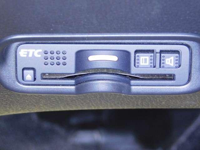 ハイブリッドRS・ホンダセンシング ホンダセンシングレス メモリーナビ LEDライト シートヒー ナビTV フルセグT ETC メモリーナビ アイドリングストップ アルミ 盗難防止システム オートクルーズ スマキー リアカメ VSA(15枚目)