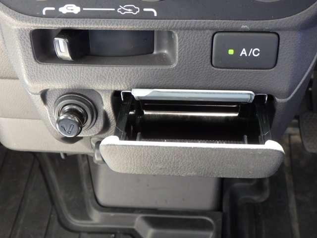 タウン パワーウィンドウ ABS エアバッグ フルタイム4WD CDデッキ パワステ エアコン キーレス 定期点検記録簿(16枚目)