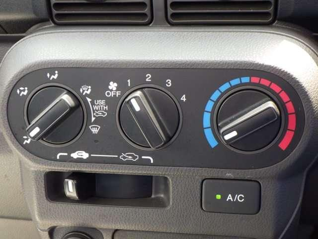 タウン パワーウィンドウ ABS エアバッグ フルタイム4WD CDデッキ パワステ エアコン キーレス 定期点検記録簿(17枚目)